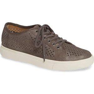 NWB Vaneli Women's  Sneakers Sz 11
